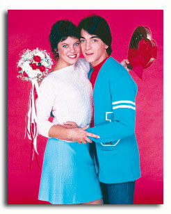 ss3334123_-_photograph_of_scott_baio_as_charles_chachi_arcola_erin_moran_as_joanie_cunningham_from_joanie_loves_chachi_available_in_4_sizes_framed_or_unframed_buy_now_at_starstills__53113
